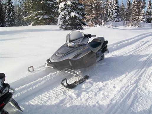 2003 Yamaha Snowmobile RX1 http://www.sleddealers.ca/yamaha-snowmobiles/17225/yamaha-rx1limitededition-snowmobile-for-sale.aspx