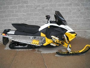 2011 Ski-Doo MX Z TNT E-TEC 800R Photo 1 of 8