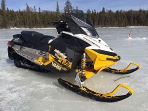 2011 Ski-Doo MX Z TNT E-TEC 800R Photo 6 of 8