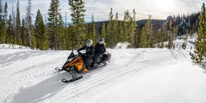 2017 Ski-Doo GRAND TOURING SE Photo 1 of 3