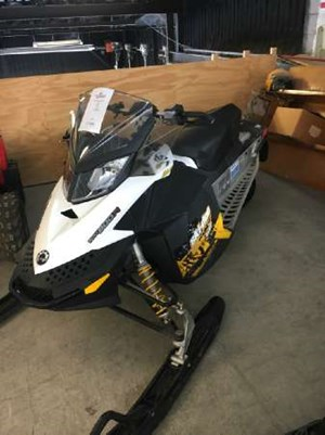 2011 Ski-Doo MX Z TNT 800R Power T.E.K. Photo 2 of 3