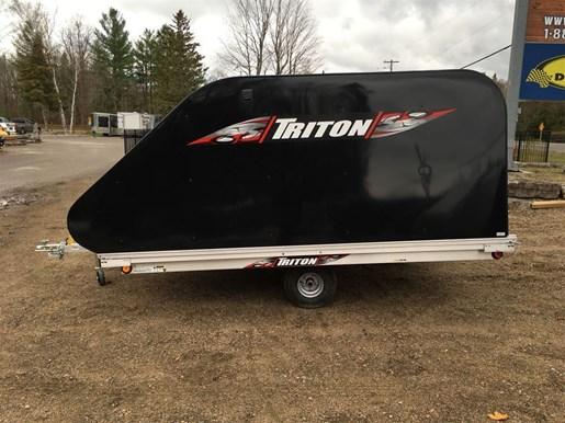2018 Triton TRITON XT10-101 ENCLOSED Photo 6 of 14
