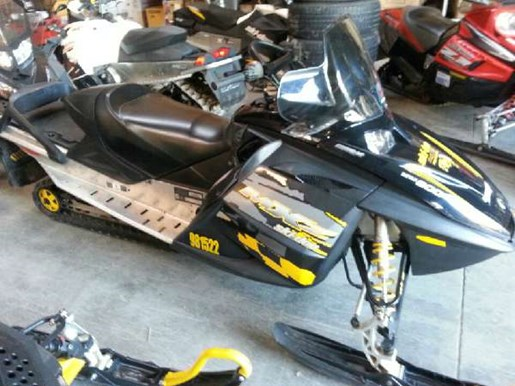 2006 Ski-Doo MX Z Renegade 800 HO Photo 2 of 5