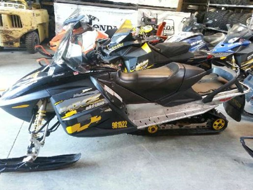 2006 Ski-Doo MX Z Renegade 800 HO Photo 4 of 5