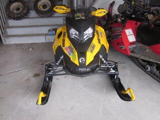 2013 Ski-Doo MXZ TNT 800 E TEC XS Photo 1 of 4