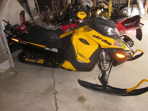 2013 Ski-Doo MXZ TNT 800 E TEC XS Photo 4 of 4