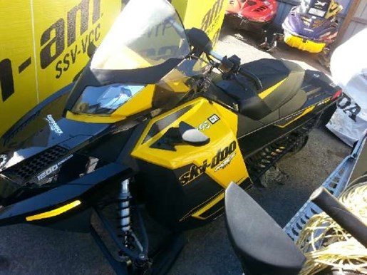 2014 Ski-Doo MX Z TNT 4-TEC 1200 Photo 3 of 5
