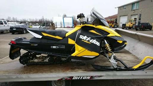 2012 Ski-Doo MX Z TNT E-TEC 800R Photo 3 of 5