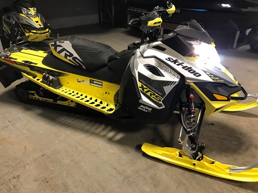 2016 Ski-Doo RENEGADE X-RS 800R E-TEC W/QAS Photo 6 of 12