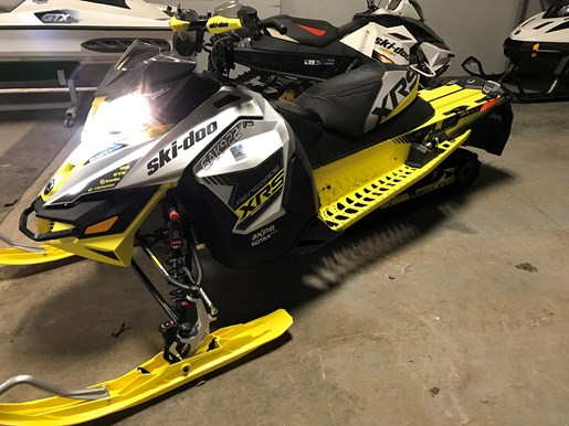 2016 Ski-Doo RENEGADE X-RS 800R E-TEC W/QAS Photo 8 of 12