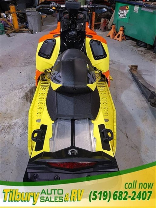 2015 Ski-Doo MXZ X 800 R Photo 4 of 10