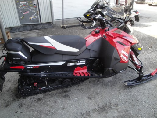 2015 Ski-Doo GSX LE 900 ACE Photo 3 of 15