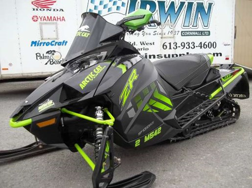 2017 Arctic Cat XF 9000 Cross Country Limited 137 Photo 3 of 4