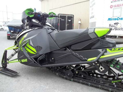 2017 Arctic Cat XF 9000 Cross Country Limited 137 Photo 4 of 4