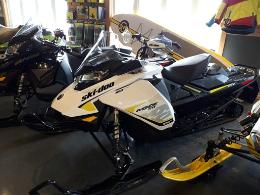 2017 Ski-Doo MXZ® TNT® 850 E-TEC® White / Black Photo 2 of 2