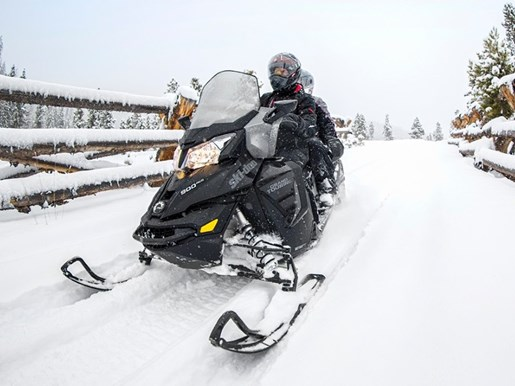 2018 Ski-Doo Grand Touring LE Ripsaw 1.25 STIS Rotax® 900 ACE R Photo 2 of 3