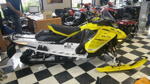 2017 Ski-Doo MXZ  X 850 E-TEC Sunburst Yellow Photo 2 of 5