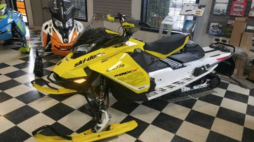 2017 Ski-Doo MXZ  X 850 E-TEC Sunburst Yellow Photo 3 of 5