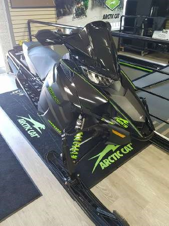 2018 Arctic Cat ZR 9000 Thundercat Photo 2 of 4