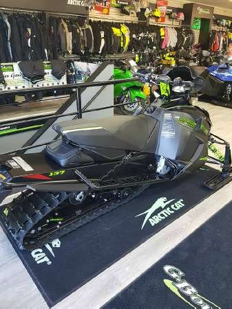 2018 Arctic Cat ZR 9000 Thundercat Photo 3 of 4
