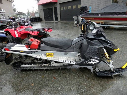 2008 Yamaha Ski Doo Summit 800 Rev-XPR 154 Photo 3 of 6