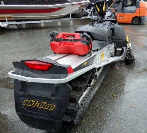 2008 Yamaha Ski Doo Summit 800 Rev-XPR 154 Photo 4 of 6