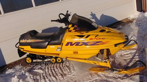 1999 Ski-Doo MXZ 670 Photo 1 of 5
