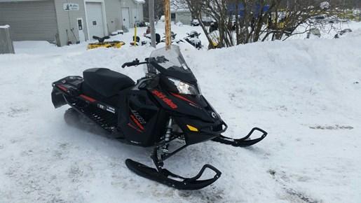 2015 Ski-Doo MX Z® TNT™ Rotax® 800R E-TEC® - Black Photo 4 of 5