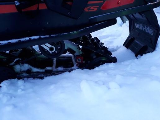 2015 Ski-Doo MX Z® TNT™ Rotax® 800R E-TEC® - Black Photo 5 of 5