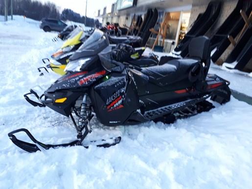 2015 Ski-Doo MX Z® TNT™ Rotax® 800R E-TEC® - Black Photo 1 of 5