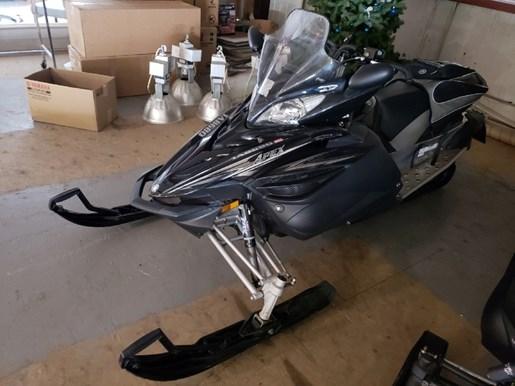 2011 Yamaha Apex SE Photo 3 of 10