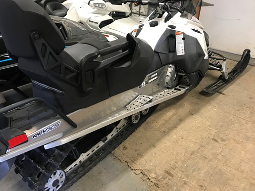 2016 Ski-Doo GRAND TOURING SPORT 600 ACE Photo 2 of 8