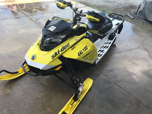 2017 Ski-Doo MXZ X 850 E-TEC Photo 4 of 7