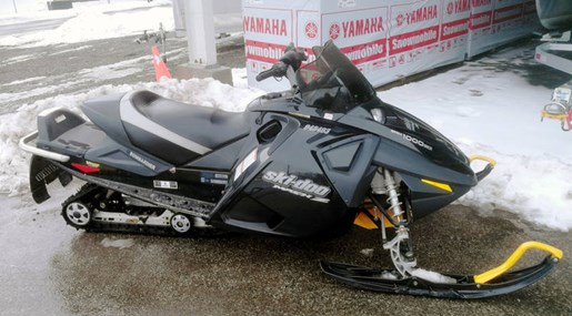 2005 Ski-Doo MXZ SDI 1000 Photo 3 of 5