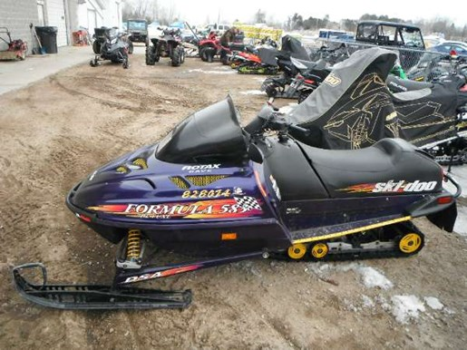 1998 Ski-Doo Formula DLX 583 Photo 1 of 3