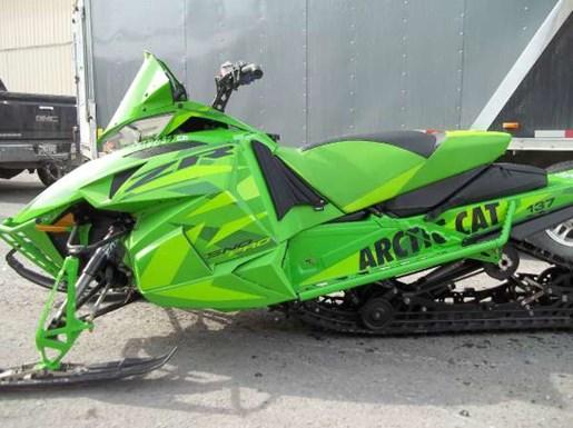 2016 Arctic Cat ZR 7000 Sno Pro 137 Team Arctic Green Photo 2 of 2