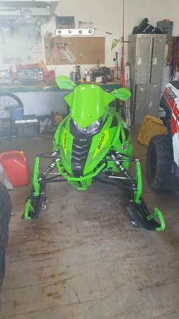 2016 Arctic Cat ZR 9000 Limited 137 Team Arctic Green Photo 1 of 4