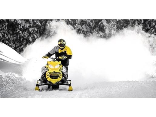 2019 Ski-Doo MXZ X-RS 600 E-TEC - SPRING ONLY Photo 3 of 12