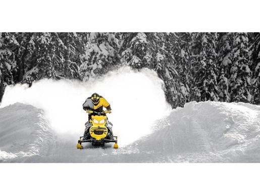 2019 Ski-Doo MXZ X-RS 600 E-TEC - SPRING ONLY Photo 4 of 12