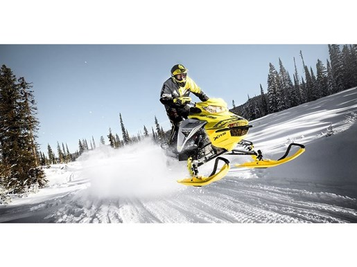 2019 Ski-Doo MXZ X-RS 600 E-TEC - SPRING ONLY Photo 8 of 12