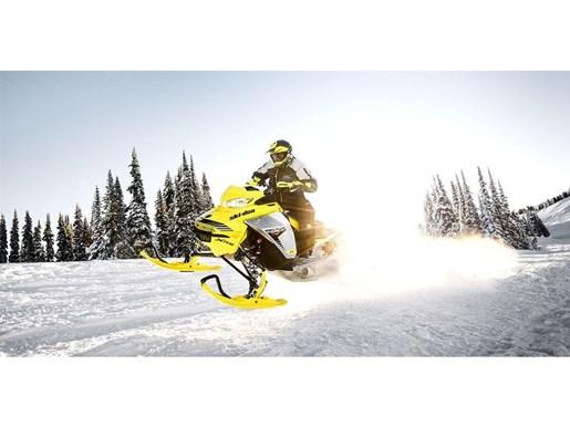 2019 Ski-Doo MXZ X-RS 600 E-TEC - SPRING ONLY Photo 9 of 12