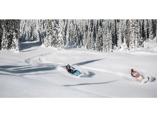 2019 Ski-Doo Summit X 165 850 E-TEC - SPRING ONLY Photo 3 of 24