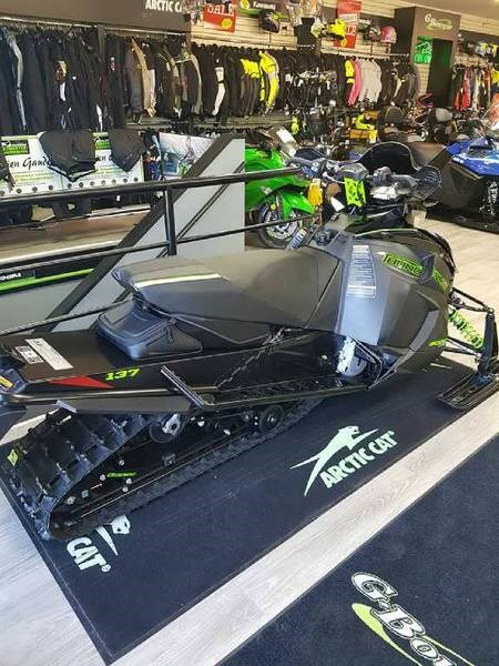 2018 Arctic Cat ZR 9000 Thundercat (137) Photo 3 of 4