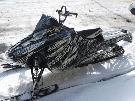 2015 Polaris 800 RMK® Assault® 155 Photo 1 of 2