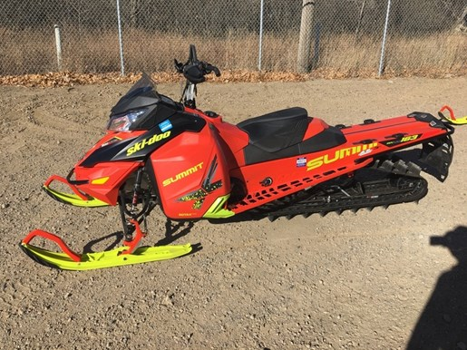 2016 Ski-Doo Summit® X® with T3 Package Rotax 800R E- Photo 1 of 4