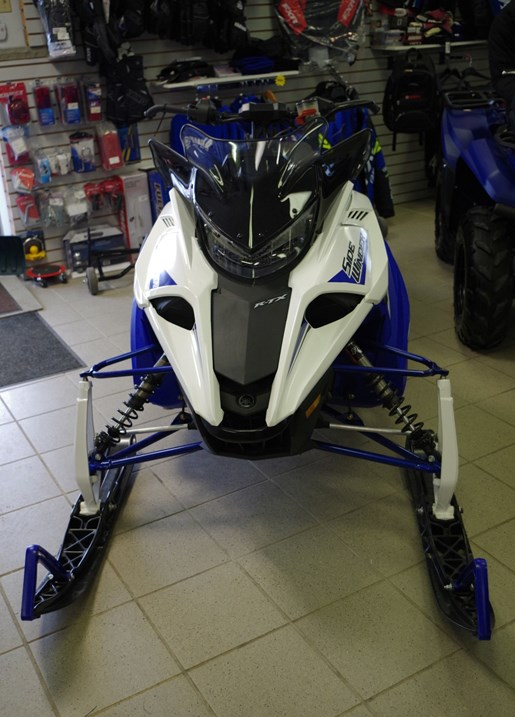 2018 Yamaha Sidewinder R-TX SE Photo 2 of 9