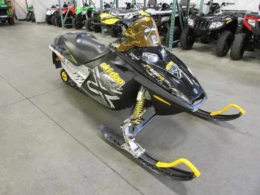2005 Ski-Doo 800 MXZX Photo 3 of 4