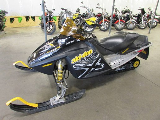 2005 Ski-Doo 800 MXZX Photo 2 of 4