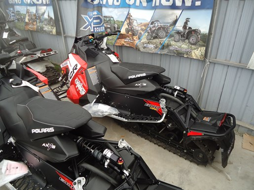 2018 Polaris 800 SWITCHBACK XCR SC Photo 2 of 2
