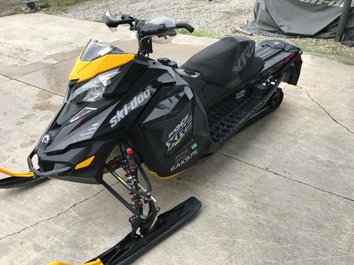 2016 Ski-Doo MXZ XRS 800R ETEC Photo 4 of 8